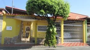 Casa En Venta En Maracay - Los Astros Código FLEX: 19-6240 No.0