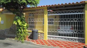 Casa En Venta En Maracay - Los Astros Código FLEX: 19-6240 No.1