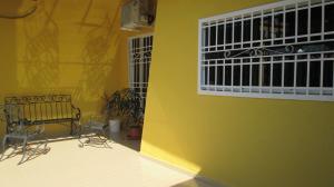 Casa En Venta En Maracay - Los Astros Código FLEX: 19-6240 No.2