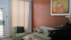 Casa En Venta En Maracay - Los Astros Código FLEX: 19-6240 No.4