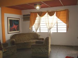 Casa En Venta En Maracay - Santa Rita Código FLEX: 19-6287 No.2