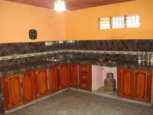 Casa En Venta En Maracay - Santa Rita Código FLEX: 19-6287 No.5