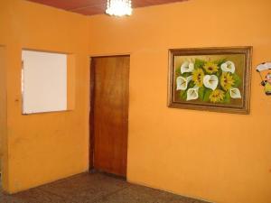 Casa En Venta En Maracay - Santa Rita Código FLEX: 19-6287 No.7