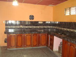 Casa En Venta En Maracay - Santa Rita Código FLEX: 19-6287 No.17