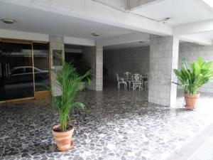 Apartamento En Venta En Maracay - Urbanizacion El Centro Código FLEX: 19-6295 No.2