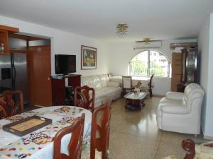 En Venta En Maracay - Urbanizacion El Centro Código FLEX: 19-6296 No.3