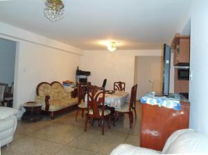 En Venta En Maracay - Urbanizacion El Centro Código FLEX: 19-6296 No.4