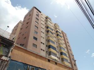 Apartamento En Venta En Maracay - Zona Centro Código FLEX: 19-6298 No.0