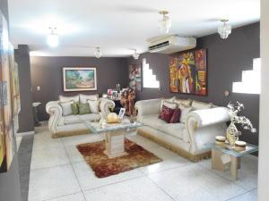 Apartamento En Venta En Maracay - Zona Centro Código FLEX: 19-6298 No.1