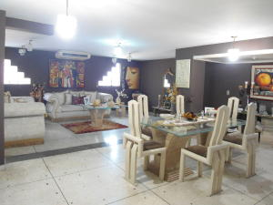 Apartamento En Venta En Maracay - Zona Centro Código FLEX: 19-6298 No.2