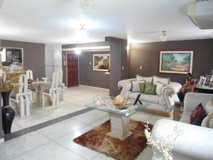 Apartamento En Venta En Maracay - Zona Centro Código FLEX: 19-6298 No.3