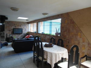 Apartamento En Venta En Maracay - Zona Centro Código FLEX: 19-6298 No.4