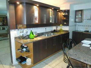 Apartamento En Venta En Maracay - Zona Centro Código FLEX: 19-6298 No.6