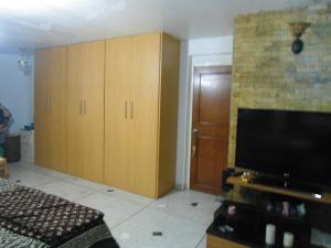 Apartamento En Venta En Maracay - Zona Centro Código FLEX: 19-6298 No.9