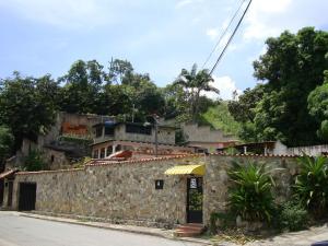 Casa En Venta En Maracay - El Castano (Zona Privada) Código FLEX: 19-6300 No.1