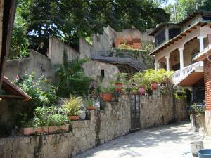 Casa En Venta En Maracay - El Castano (Zona Privada) Código FLEX: 19-6300 No.4
