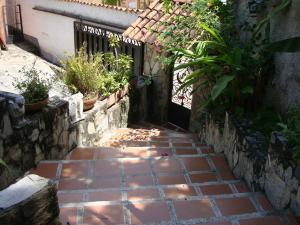 Casa En Venta En Maracay - El Castano (Zona Privada) Código FLEX: 19-6300 No.5