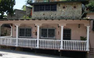 Casa En Venta En Maracay - El Castano (Zona Privada) Código FLEX: 19-6300 No.11