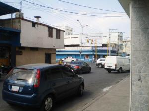 Local Comercial En Alquiler En Maracay - Avenida Miranda Código FLEX: 19-6365 No.14