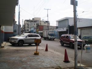 Local Comercial En Alquiler En Maracay - Avenida Miranda Código FLEX: 19-6365 No.15