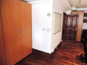 Oficina En Venta En Caracas - Los Palos Grandes Código FLEX: 19-6399 No.9