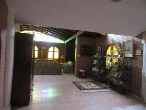 Casa En Venta En Maracay - La Soledad Código FLEX: 19-6443 No.2