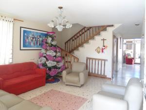 Casa En Venta En Maracay - Residencias Coromoto Código FLEX: 19-6462 No.1