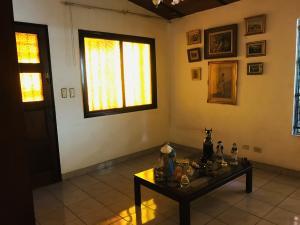 Casa En Venta En Maracay - Los Samanes Código FLEX: 19-6799 No.3