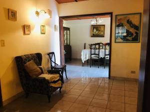 Casa En Venta En Maracay - Los Samanes Código FLEX: 19-6799 No.5