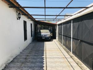Casa En Venta En Maracay - Los Samanes Código FLEX: 19-6799 No.11