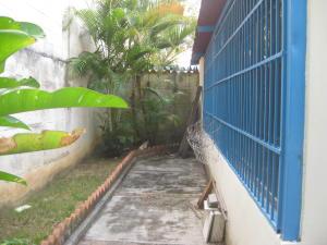 Casa En Venta En Maracay - El Castano (Zona Privada) Código FLEX: 19-5511 No.3