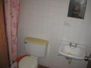 Casa En Venta En Maracay - El Castano (Zona Privada) Código FLEX: 19-5511 No.13