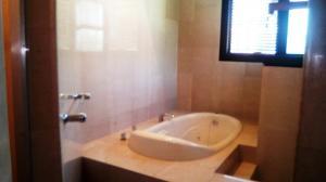 Apartamento En Venta En Caracas - La Castellana Código FLEX: 19-10054 No.12