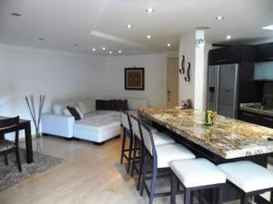 Apartamento En Venta En Caracas - La Alameda Código FLEX: 19-6963 No.5
