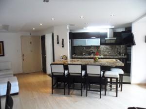 Apartamento En Venta En Caracas - La Alameda Código FLEX: 19-6963 No.14