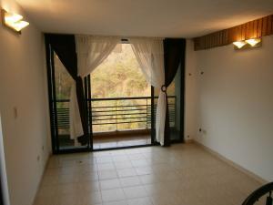 Apartamento En Venta En Valencia - Piedra Pintada Código FLEX: 19-6980 No.1