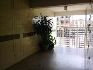 Apartamento En Venta En Maracay En El Centro - Código: 19-7436
