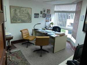 Oficina En Venta En Caracas En La Castellana - Código: 19-7656