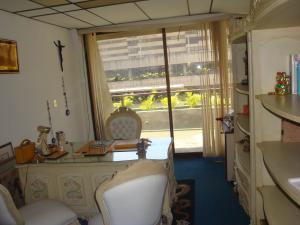 Oficina En Venta En Caracas - Chuao Código FLEX: 19-7471 No.5