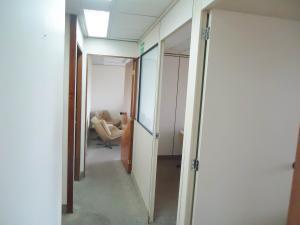 Oficina En Alquiler En Caracas - Chuao Código FLEX: 19-7529 No.4