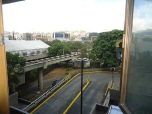 Oficina En Alquiler En Caracas - Chuao Código FLEX: 19-7529 No.13