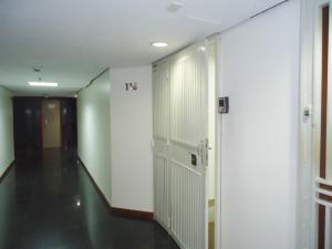 Oficina En Alquiler En Caracas - Chuao Código FLEX: 19-7529 No.1