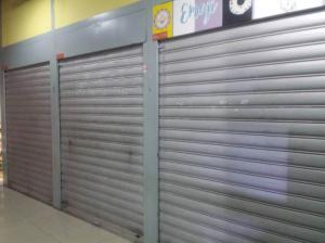 Local Comercial En Venta En Maracay - Avenida Bolivar Código FLEX: 19-7530 No.1