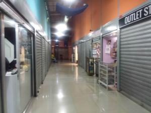 Local Comercial En Venta En Maracay - Avenida Bolivar Código FLEX: 19-7530 No.12