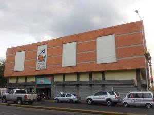 Local Comercial En Venta En Maracay - Avenida Bolivar Código FLEX: 19-7530 No.13