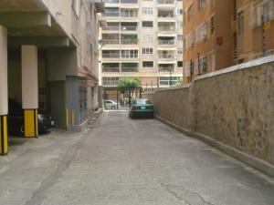 Apartamento En Venta En Caracas - Los Palos Grandes Código FLEX: 19-7564 No.1