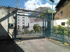 Local Comercial En Alquiler En Caracas - Los Rosales Código FLEX: 19-7603 No.1