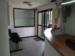 Local Comercial En Alquiler En Caracas - Los Rosales Código FLEX: 19-7603 No.2