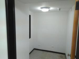 En Alquiler En Caracas - Los Rosales Código FLEX: 19-7603 No.11
