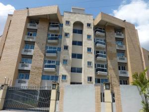 Apartamento En Venta En Maracay - Las Delicias Código FLEX: 19-7602 No.1